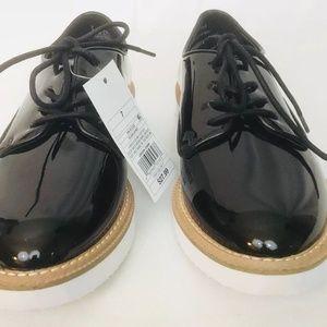 Shoes - BLACK AND WHITE PLATFORM SIZE 7.5